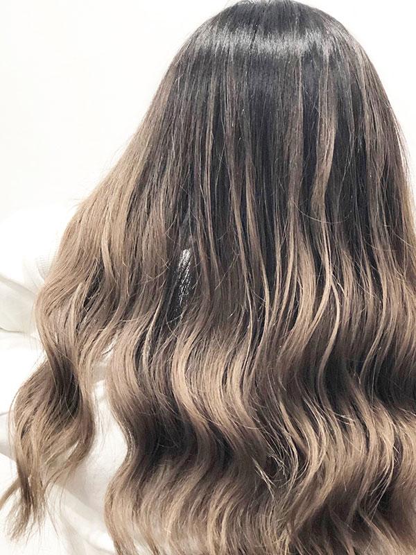 ロング×バレイヤージュの髪型